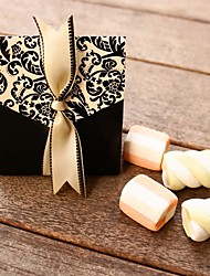 Creative Card Paper Favor Holder With Ribbons Favor Boxes Favor Bags Favor Tins and Pails Cookie Bags Favor Cones Candy Jars and Bottles