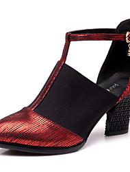Для женщин Современный Синтетика Сандалии Кроссовки Для открытой площадки С пряжкой На толстом каблуке Золотой Черный Красный 7 см Не