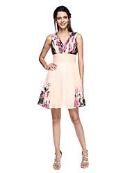 abordables -Corte en A Escote en Pico Hasta la Rodilla Raso Fiesta de Cóctel Vestido con Recogido Diseño / Estampado por TS Couture®