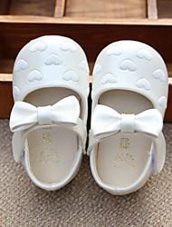 Børn Baby Sandaler Sko til blomsterpiger PU Forår Sommer Afslappet Sko til blomsterpiger Flad hæl Hvid Lys pink 2,5-4,5 cm