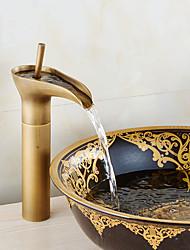 abordables -Robinet lavabo - Jet pluie / Séparé Cuivre antique Set de centre Mitigeur un trou