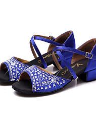 baratos -Mulheres Sapatos de Dança Latina Cetim Sandália / Têni Pedrarias / Cristais Salto Robusto Sapatos de Dança Fúcsia / Vermelho / Azul