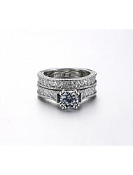 Кольцо Обручальное кольцо Цирконий Мода Pоскошные ювелирные изделия Elegant Цирконий Круглой формы Бижутерия ДляСвадьба Для вечеринок