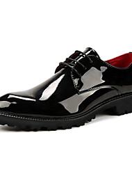 baratos -Homens sapatos Couro de Porco Primavera / Verão / Outono Sapatos formais Oxfords Caminhada Preto / Vermelho / Azul / Casamento / Festas & Noite / Impressão Oxfords