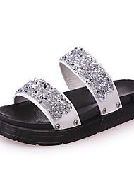 Damer Sandaler Komfort PU Forår Sommer Afslappet Formelt Komfort Perlearbejde Elastik Flad hæl Sort Sølv Under 2,5 cm