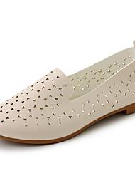 Недорогие -Для женщин На плокой подошве Удобная обувь Светодиодные подошвы Полиуретан Лето Повседневные Удобная обувь Светодиодные подошвыБелый