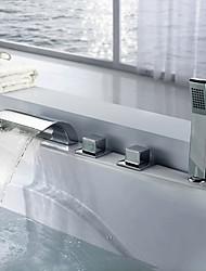 Недорогие -Смеситель для ванны - Современный Хром Разбросанная Медный клапан Bath Shower Mixer Taps / Латунь / Три ручки пять отверстий