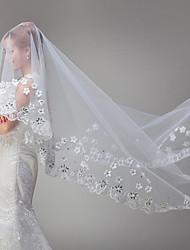 cheap -One-tier Lace Applique Edge Wedding Veil Chapel Veils With Applique Satin Flower Rhinestones Tulle