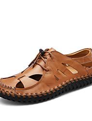 baratos -Masculino sapatos Pele Real Courino Primavera Verão Conforto Sandálias para Casual Preto Marron