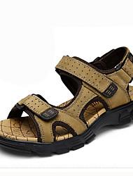 Masculino Sandálias Conforto Pele Verão Casual Caminhada Colchete Rasteiro Castanho Escuro Khaki 5 a 7 cm