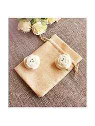 cheap -Salt and Pepper Shakers in Burlap Bag Wedding Favor (Set of 2)