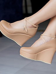 preiswerte -Damen Schuhe PU Frühling Sommer Komfort High Heels Keilabsatz Runde Zehe für Normal Schwarz Rosa Mandelfarben