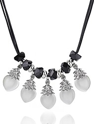 cheap -Women's Drop Shape Elegant Fashion Simple Style Statement Necklace Crystal Synthetic Diamond Crystal Alloy Statement Necklace Daily