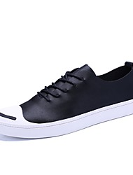Herren Sneaker Komfort Frühling Herbst Leder Normal Schnürsenkel Flacher Absatz Weiß Schwarz 5 - 7 cm
