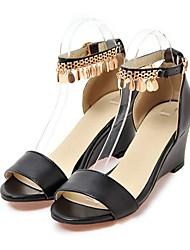 Damen Schuhe PU Sommer Herbst Komfort Neuheit Sandalen Keilabsatz Offene Spitze Niete Schnalle Für Hochzeit Party & Festivität Weiß