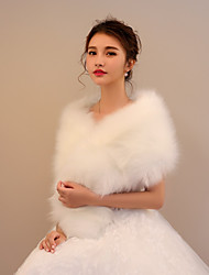 cheap -Faux Fur Wedding Party / Evening Women's Wrap With Tassel Capelets