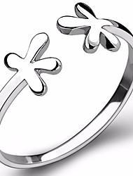 Недорогие -Жен. Обручальное кольцо Классический Мода Стерлинговое серебро Цветы Бижутерия Обручение Подарок