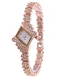 abordables -Mujer Cuarzo Simulado Diamante Reloj Reloj de Pulsera Chino Gran venta Aleación Banda Encanto Reloj de Vestir Oro Rosa