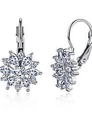 billige -Dame Syntetisk Diamant Geometrisk Dråbeøreringe - Rhinsten Personaliseret Guld / Hvid Til Daglig / Stadie