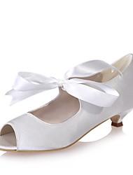 preiswerte -Damen Schuhe Satin Frühling Sommer Pumps Hochzeit Schuhe Kitten Heel-Absatz Peep Toe Band-Bindung für Hochzeit Party & Festivität Silber