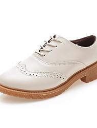 baratos -Mulheres Sapatos Couro Ecológico Inverno Conforto Oxfords Salto Baixo Dedo Apontado Rendado para Casual Escritório e Carreira Preto Bege