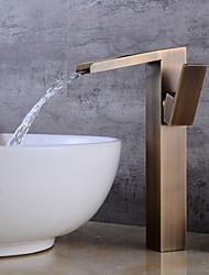 preiswerte -Mittellage Wasserfall Keramisches Ventil Einhand Ein Loch Antikes Kupfer , Waschbecken Wasserhahn