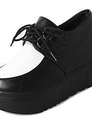 Недорогие -Жен. Обувь Полиуретан Весна Осень Удобная обувь Туфли на шнуровке Высокий каблук Круглый носок Ботинки для Повседневные Белый Черный
