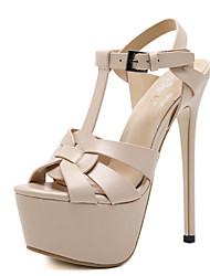 baratos -Mulheres Sapatos Courino Primavera / Outono Conforto / Inovador / Botas da Moda Sandálias Salto Agulha Laço Preto / Amêndoa / Casamento