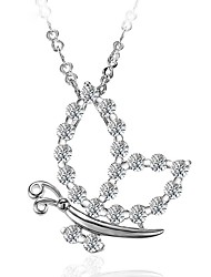 Недорогие -Жен. Бабочка Животные Мода Ожерелья с подвесками Ожерелья-цепочки Синтетический алмаз Серебрянное покрытие Ожерелья с подвесками