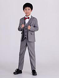 abordables -Argent Polyester Costume de Porteur d'Alliance  - 5 Comprend Veste Gilet Chemise Pantalon Noeud Papillon