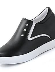 Недорогие -Обувь Полиуретан Весна Удобная обувь Мокасины и Свитер На плоской подошве Круглый носок Белый / Черный