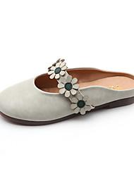Недорогие -Жен. Обувь Полиуретан Весна / Осень Удобная обувь Башмаки и босоножки На плоской подошве Белый / Черный / Бежевый