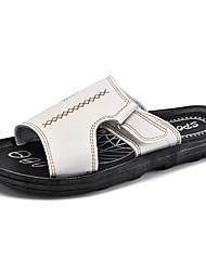 Homens sapatos Micofibra Sintética PU Primavera Outono Conforto Chinelos e flip-flops para Casual Branco Preto Marron