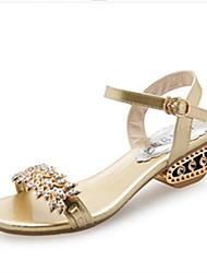 baratos -Mulheres Sapatos Couro Ecológico Verão Conforto / Solados com Luzes Sandálias Sem Salto Dedo Aberto Elástico Dourado / Preto / Prata