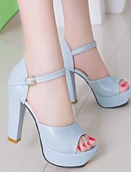 preiswerte -Damen Schuhe PU Frühling Sommer Komfort Sandalen Blockabsatz für Weiß Blau Rosa