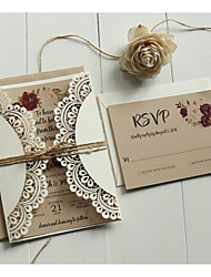 Недорогие -Двойной сгиб-калитка Свадебные приглашения 50шт - Пригласительные билеты / Образец приглашения / Открытки ко дню матери Художественный / Современный Тиснённая бумага