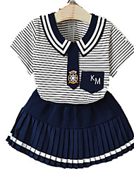 povoljno -djevojčica s prugastom odjećom, pamučna ljetna mornarica plava crvena