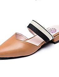 Недорогие -Жен. Обувь Полиуретан Весна / Лето Удобная обувь Башмаки и босоножки На плоской подошве Заостренный носок Черный / Бежевый / Коричневый