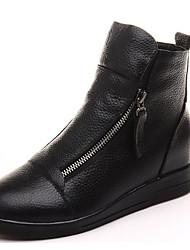 baratos -Mulheres Sapatos Pele Outono Inverno Botas da Moda Botas Salto Baixo Botas Curtas / Ankle para Casual Branco Preto Vermelho