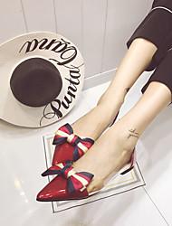 baratos -Mulheres Sapatos Couro Ecológico Primavera Shoe transparente Rasos Sem Salto Dedo Apontado Laço Preto / Vermelho / Amêndoa