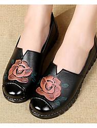 povoljno -Žene Cipele Sintetika, mikrofibra, PU Proljeće Jesen Udobne cipele Natikače i mokasinke Niska potpetica za Kauzalni Crn Braon Crvena