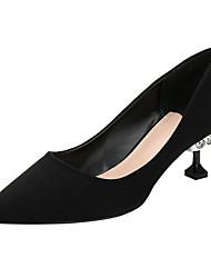preiswerte -Damen Schuhe Beflockung Wildleder Frühling Sommer Pumps High Heels Niedriger Heel Geschlossene Spitze Strass für Hochzeit Party &