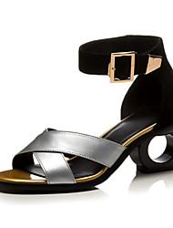 baratos -Mulheres Sapatos Pele Verão Conforto Sandálias Calcanhar Heterotípico para Dourado Prata