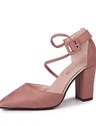 baratos -Mulheres Sapatos Camurça Primavera Verão Conforto Saltos Caminhada Salto Robusto Dedo Apontado Presilha Preto / Cinzento / Rosa claro