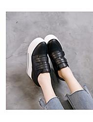 Недорогие -Жен. Обувь Полиуретан Весна лето Удобная обувь Кеды Платформа Белый / Черный