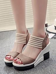 baratos -Mulheres Sapatos Pele Nobuck Verão Conforto Sandálias Salto Plataforma Preto / Castanho Escuro / Khaki / Calcanhares