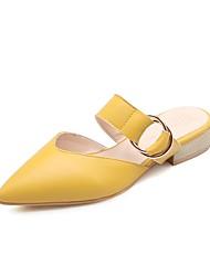 baratos -Mulheres Sapatos Courino Outono Chanel Tamancos e Mules Salto Robusto Dedo Apontado Presilha para Ao ar livre Preto / Bege / Amarelo