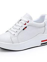 baratos -Mulheres Sapatos Couro Outono Conforto Tênis Sem Salto Ponta Redonda para Ao ar livre Vermelho / Preto / Vermelho / Branco e Verde