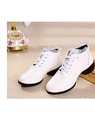 baratos -Mulheres Botas de Dança Couro Ecológico Têni Salto Robusto Sapatos de Dança Branco / Preto / Vermelho / Espetáculo / Ensaio / Prática