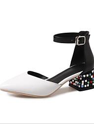 お買い得  -女性用 靴 レザー 夏 ベーシックサンダル ヒール チャンキーヒール ポインテッドトゥ ラインストーン のために アウトドア ホワイト / ブラック / レッド